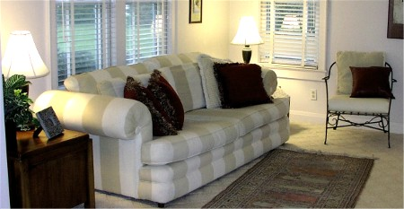 family_room_picture_2.jpg